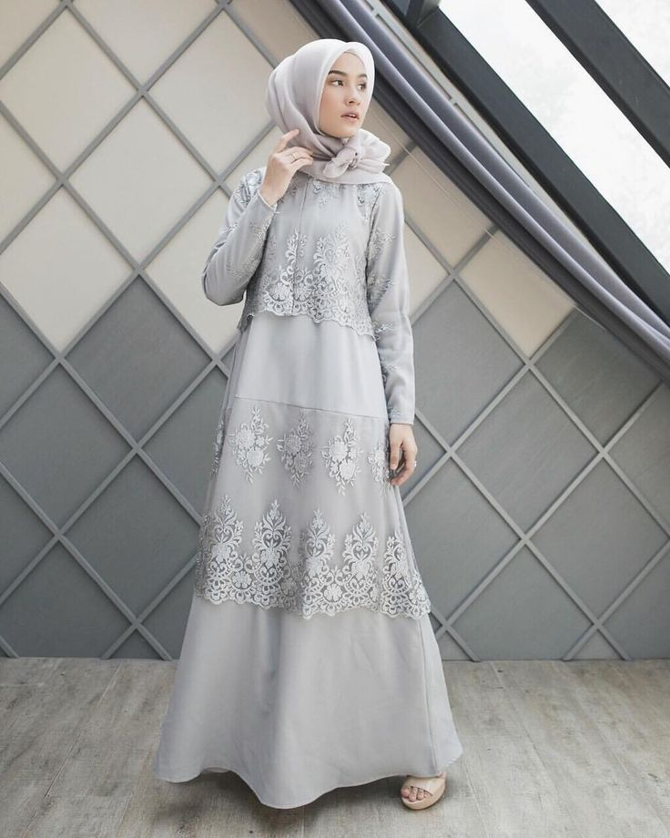 "15.8b Beğenme, 56 Yorum - Instagram'da Dwi Handayani Syah Putri (@dwihandaanda): ""Dress from @ainayya.id  so simple and beautiful with lace details """