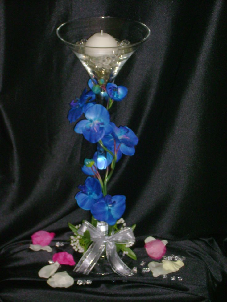 Another martini glass centerpiece wedding centrepieces for Decoration vase martini