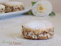 Oggi vi presento le deliziose,una vera e propria bontà della pasticceria Italiana...