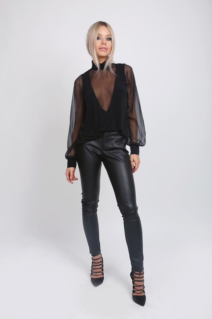 Deep V Blouse! http://www.noire.ro/categorie-produs/bluze/