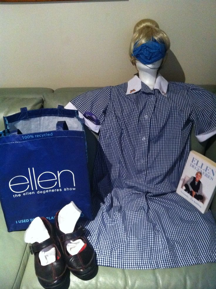 So Ellen whats missing in this photo?!! #bagthatellen & #doitinadress