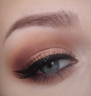 Black Winged Eyeliner With Brown In Waterline And A Soft