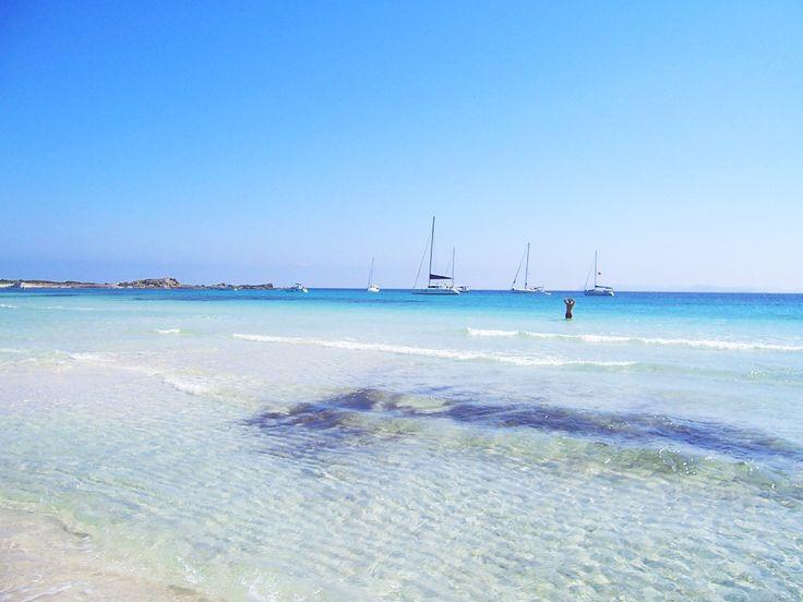 Eigentlich gibt es auf Mallorca ja keine Privatstrände. Doch der Naturstrand Es Caragol im Süden von Mallorca ist fast einer.