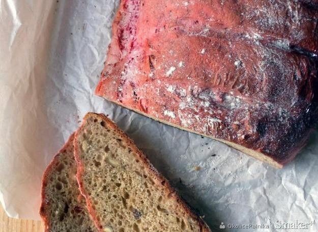 chleb buraczkowy