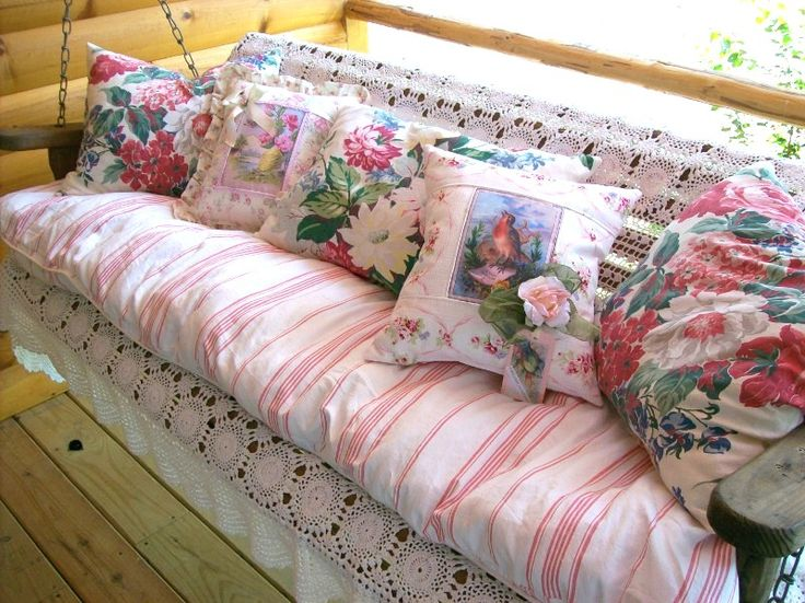 cottagy  swing bench <3 <3: Floral Pillows, Color, Benches Swings, Throw Pillows, Vintage Greeting Cards, Shabby Chic Cottages, Front Porches, Shabby Chiccottag, Porches Swings