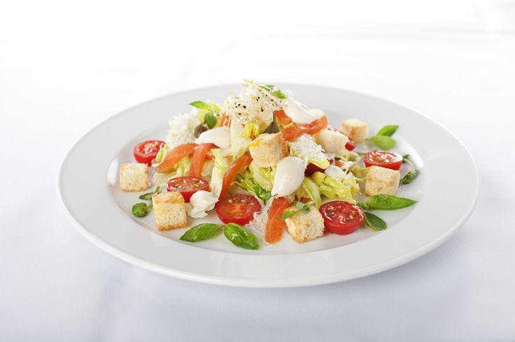Салат цезарь из плавленного сыра