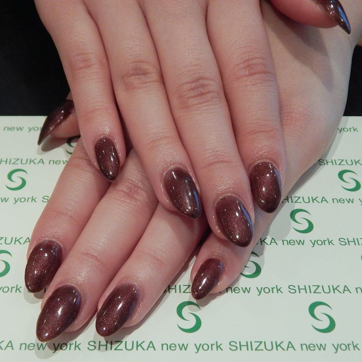 Here at Shizuka New York, we can customize the gel color just as you like it! Here is an example with brown shimmer with red tinted sparkle.