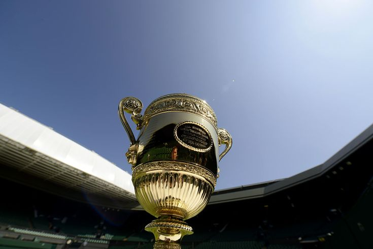 The Gentlemen's Singles Trophy - Thomas Lovelock/AELTC