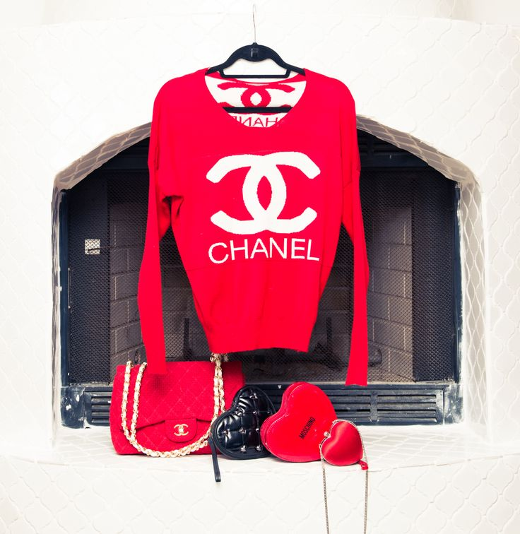 Seeing red. http://www.thecoveteur.com/kelis/Celebrities Fashion, Coco Chanel, Chanel Darling, Fashion Style, Http Www Thecoveteur Com K, Chanel Red Outfit, Kelis For The Coveteur 5, Bombs Blog, Chanel Just