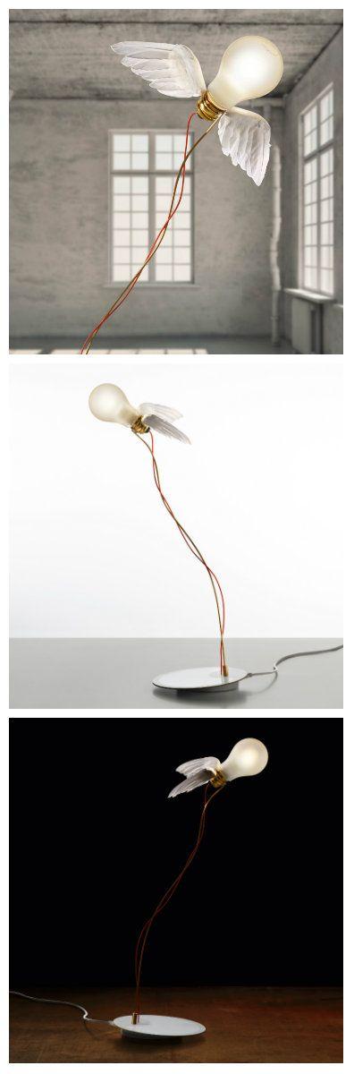 """""""Окрыленная лампочка"""" от Инго Маурера - Ingo Maurer Lucellino LED - поразила многих своей простотой и изобретательностью.  На первый взгляд обычная лампа накаливания, в которой на самом деле установлен led диод, украшена двумя крылышками, а удерживается конструкция хрупкими на первый взгляд проволочками. Просто, элегантно, необычно..."""