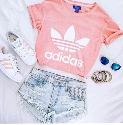 Really want to get this light pink adidas shirt ❤️