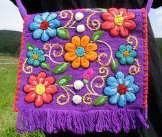 bolso con bordado Ayacuchano
