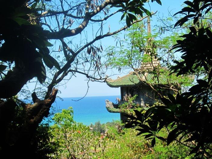 Vietnam, temple on marble mountain