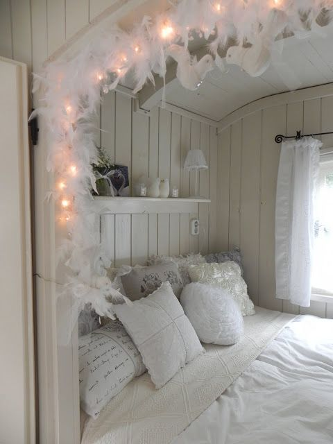 25 best ideas about shabby chic caravan on pinterest. Black Bedroom Furniture Sets. Home Design Ideas