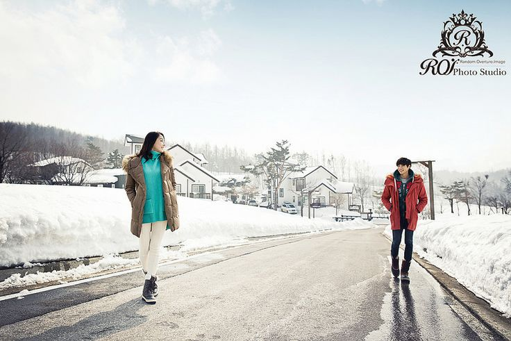 It's all snow around Daegwallyeong around the winter. 3 hours from Seoul, the photoshoot can be completed within a day. Please refer to our website: www.roistudio.co.kr #Koreawedding #prewedding #wedding #Koreatrip #Daegwallyeong #roistudio