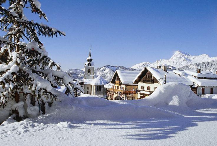 Vous serez séduits par l'authenticité du village de Notre-Dame-de-Bellecombe #ski #Savoie