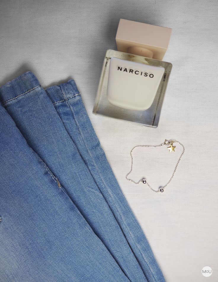 Daily essentials with denim, narciso and silver cosmic bracelet by MOU