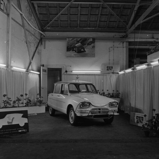 17 best images about citro n fabrieken dealers en garages for Garage citroen paris