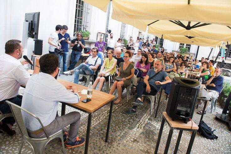 Come si diventa autori televisivi?  #AndreaZalone ai #MagazziniOz #Torino #succedequi