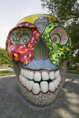 Entrons dans le monde imaginaire de Niki de Saint Phalle, avec vidéo