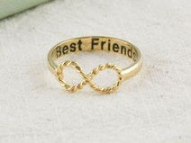 Best Friends infinity ring in gold
