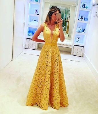 Vestido amarelo de renda para festa de casamento ou formatura