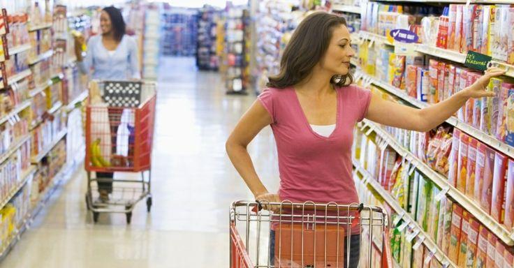 midia-indoor-economia-compra-carrinho-dinheiro-supermercado-salario-familia-renda-alimento-alimentacao-comida-alta-preco-caro-cesta-basica-c...