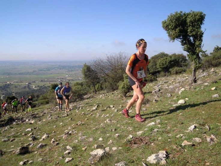 Belén Díez, segunda general y primera veterana en Pedrezuela Trail, primera prueba de la copa de  carreras por montaña de la Federación Madrileña. ¡Que no decaiga!. #EquipoCantio