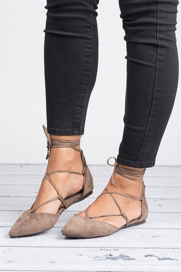 The ballerina lace up flats will give you the most casual of looks with a trendy and modern edge you can rock in any season.