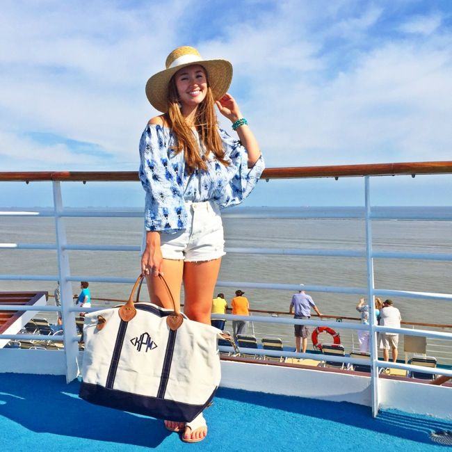 cruise style, what to wear on a cruise, cruise outfits, royal caribbean, navigator of the seas, prettiest cruises