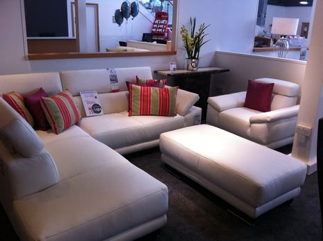 Corner sofa set designs ideas for small living room for Sofa set for small living room