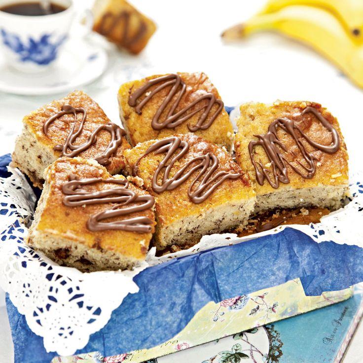 Riktigt saftiga rutor fyllda med banan och choklad.