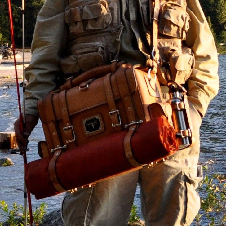 Leather bag expedition natural fishing 01 fly fishing for Fly fishing bag