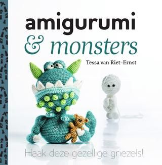 Inkijkexemplaar Amigurumi & monsters - Tessa van Riet - Ernst  In Amigurumi & monsters van Tessa van Riet-Ernst staan 15 amigurumi-patronen om te haken. Het thema is monsters. Geen gevaarlijke engerds, maar gezellige griezels die ieders hart stelen. Zoals een groene draak die zijn teddybeer altijd stevig vasthoudt en een hulpeloze krokodil zonder zwemdiploma. Alle amigurumi's zijn voorzien van duidelijke haakpatronen, inclusief (stappen)foto's. Geschikt voor beginnende en gevorderde…