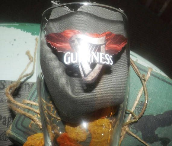 Vintage Guinness Halloween pint beer glass. Etched-glass logo