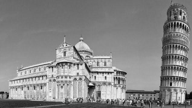 Piazza dei miracoli | Pisa