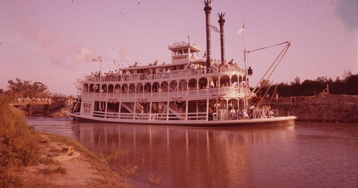 Here we go for the part three article with these amazing pictures of Disneyland at opening day shot by LIFE photographers. This time we w...