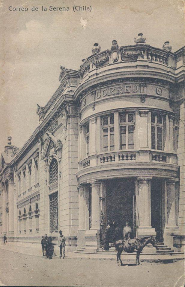 Chile, La Serena. Postal con vista a bello edificio de Correos de Chile en la ciudad de La Serena, año 1920.