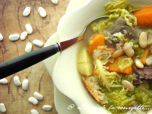 Garbure béarnaise {Un peu de chez moi dans votre assiette } | Blog de cuisine bio : Le cri de la courgette...