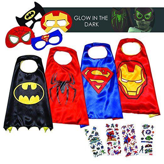 LAEGENDARY Superhelden Kostüme für Kinder - 4 Capes und Masken – Halloween Kostüm - Im Dunkeln Leuchtendes Spiderman Logo - Spielsachen für Jungen und Mädchen - Karneval Fasching Costume