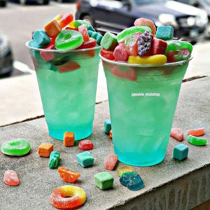 "Happy 4/20 Stoners ""Marijuana Munchies""  Dekuyper Island Punch Schnapps, Blue Curacao, Malibu Pineapple Rum, Marijuana infused Quervo Gold Tequila, Sour Mix & Pineapple Juice #pookiemixinitup #tipsybartender #cocktail #cocktails #cocktailporn #drinkgasm #drinkporn #vodka #rum #420 #marijuana #kush #stoner #candies #cannabis #thc #highsociety #potheadsociety #maryjane #weedstagram420 #sour #stonernation #malibu #pineapple #munchies #gummy #candy #tequila #josequervo #jollyran…"