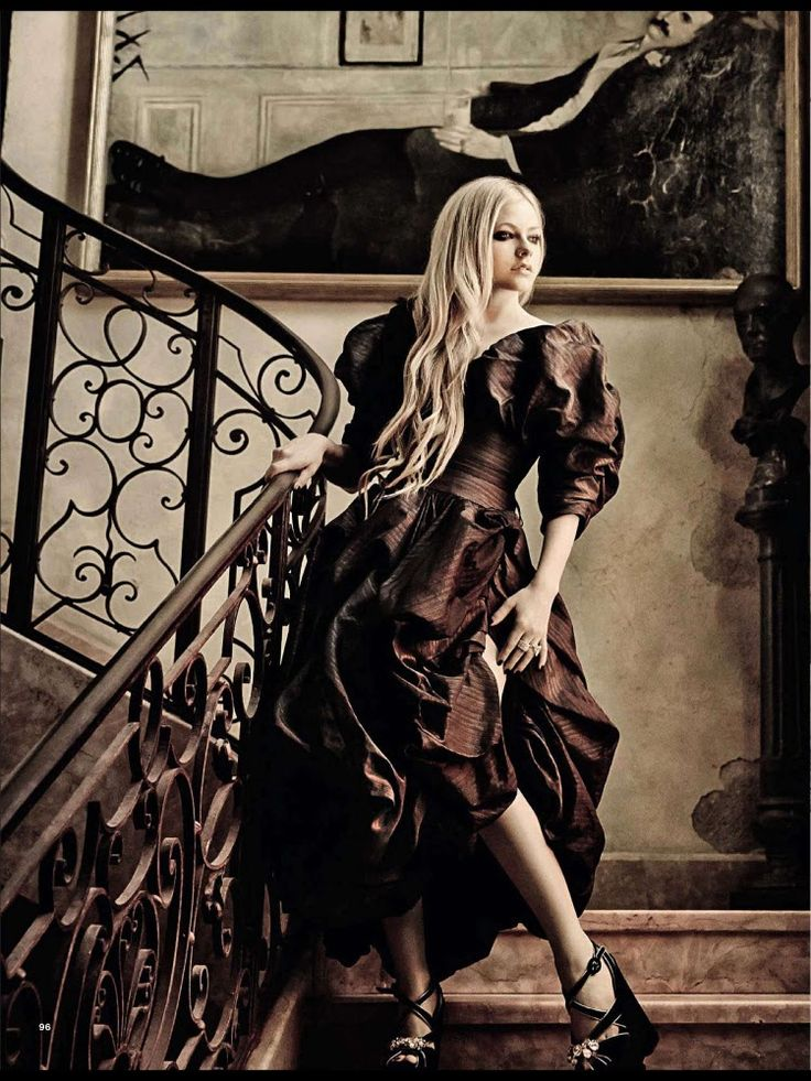 Avril Lavigne for Glamour Italy August 2013