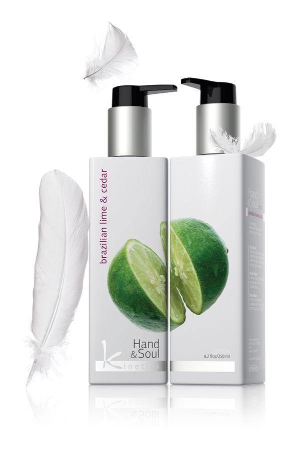 Balsam Brazilian Lime&Cedar KL002  Zapach jasnej, żywej zielonej trawy dominuje z nutkami odświeżającego zapachu słodkiej limonki i igieł sosny. Włącza się w zapach cytryny i maliny, zapewniając owocowy punkt przeciwwagi. Nutka zapachu refleksyjnego sandałowca łagodzi odświeżający zapach cedru.