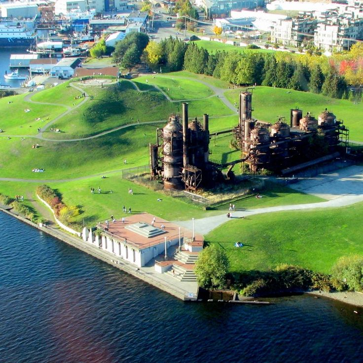 Gas Works Park sports rolling hills, panoramic views of downtown and Lake Union