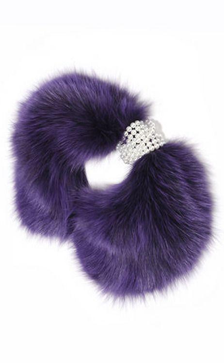 Use a bracelet and my fur