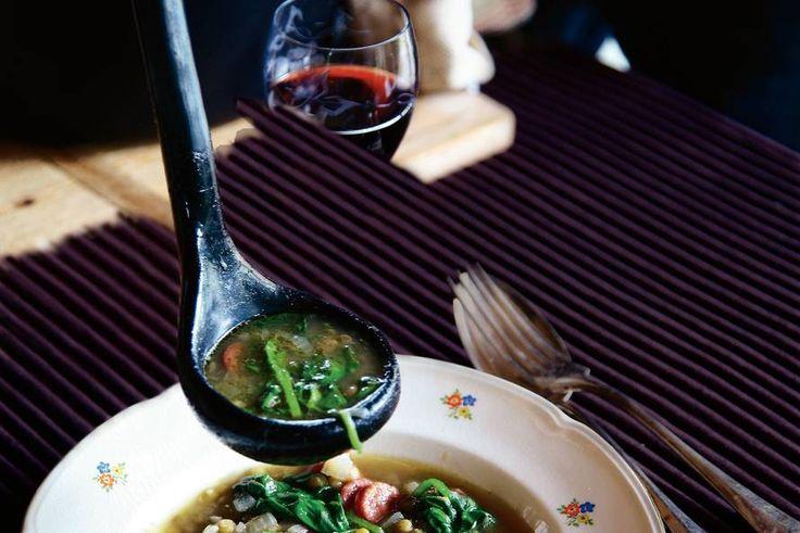 Kijk wat een lekker recept ik heb gevonden op Allerhande! Linzen-spinaziesoep met Groninger metworst