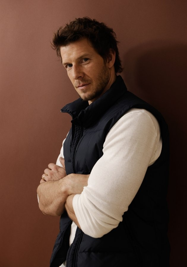 The lovely Eric Mabius. :)