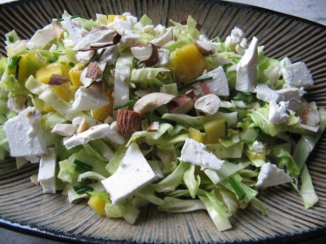 Jeg har stort set altid spidskål i køleskabet. Det er min absolut yndingskål og den bliver ofte brugt i salater for at få lidt mere bid,...