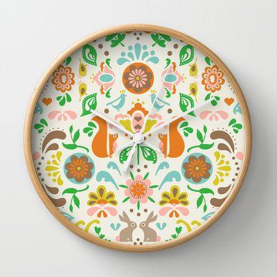 © www.patternpenny.com Folklore Floral Wall Clock