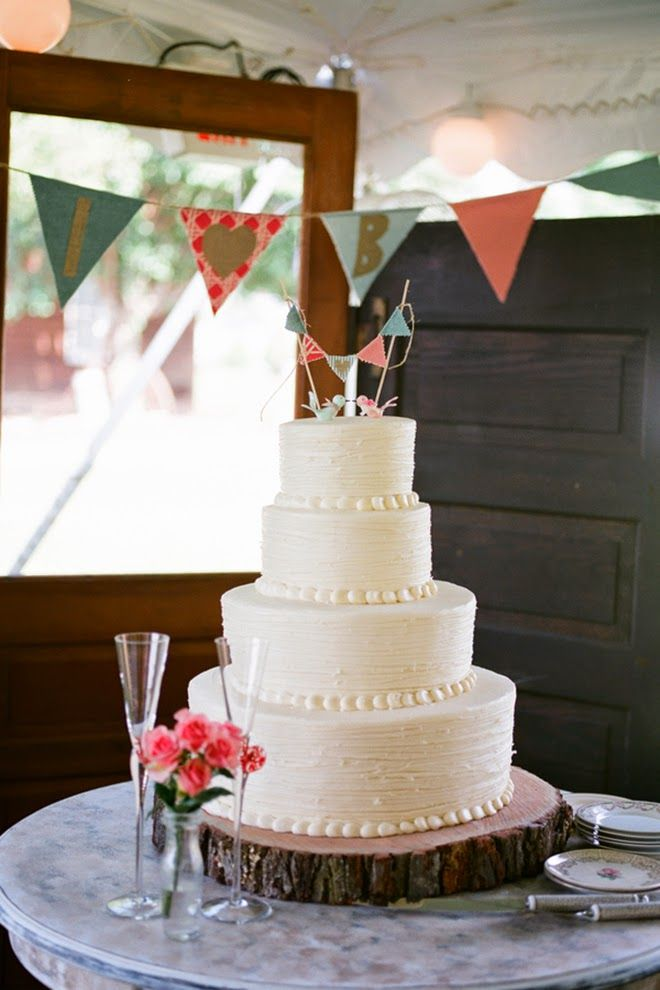 Pretty Coral Rustic Wedding | bellethemagazine.com